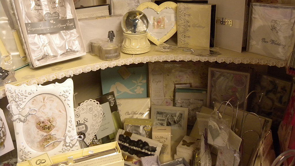 Gift Shop Bagshot wedding gifts