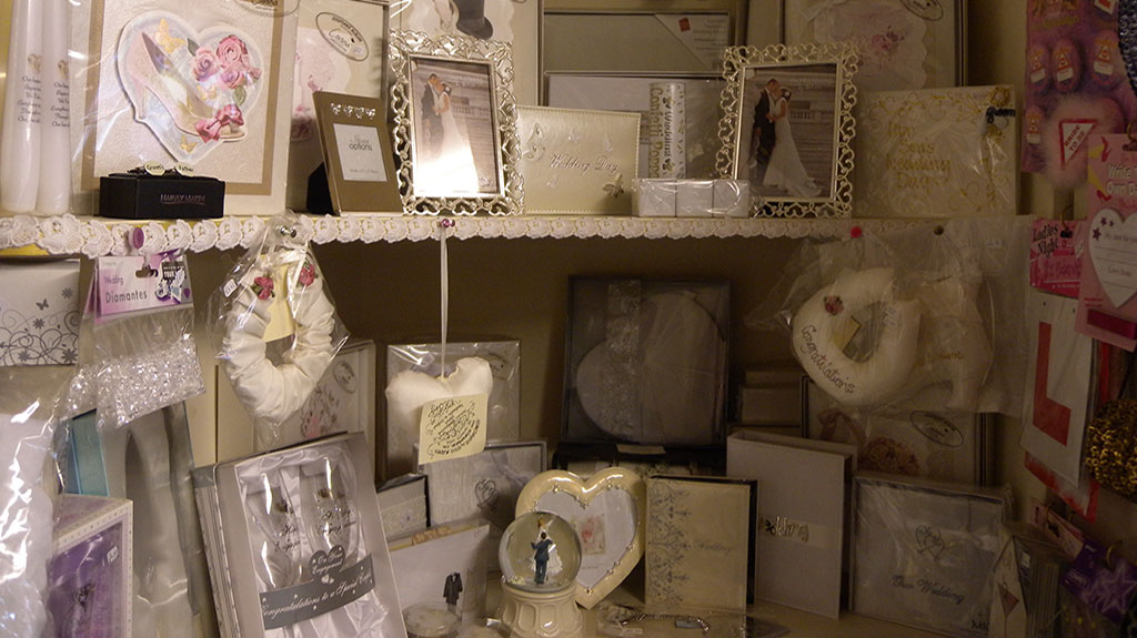 Gift Shop Bagshot wedding and engagement gifts